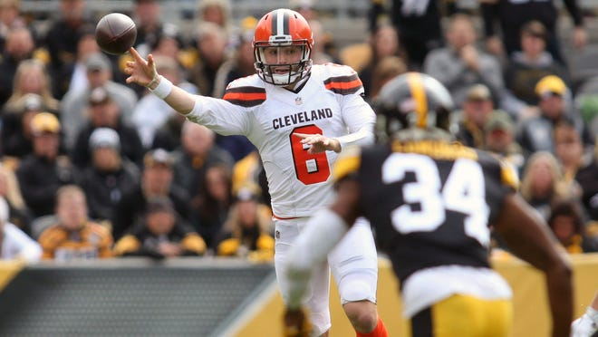 Oct 28, 2018; Pittsburgh, PA, USA;  Cleveland Browns quarterback Baker Mayfield (6) passes against the Pittsburgh Steelers during the first quarter at Heinz Field. Mandatory Credit: Charles LeClaire-USA TODAY Sports