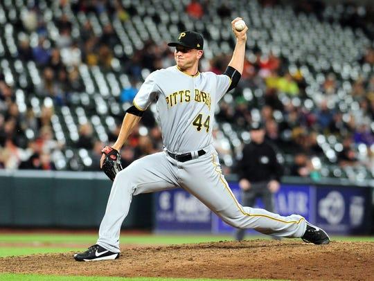 Pittsburgh Pirates pitcher Tony Watson (44) throws