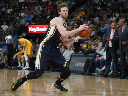 MNCO 0704 Cavs pondering free agent options with Hayward.jpg