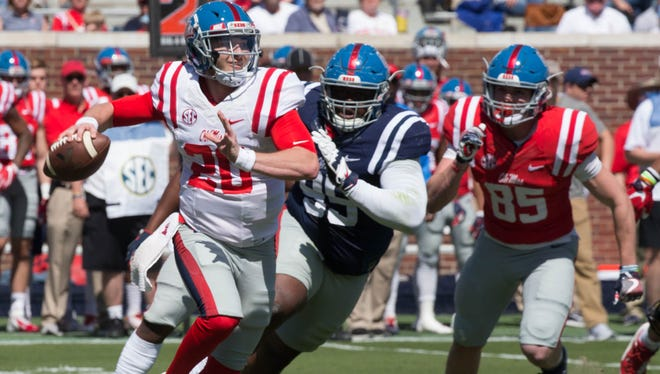 Shea Patterson threw for 341 yards and two scores in the Grove Bowl Saturday/