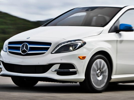 review 2017 mercedes benz b class electric drive is dynamic powerful. Black Bedroom Furniture Sets. Home Design Ideas