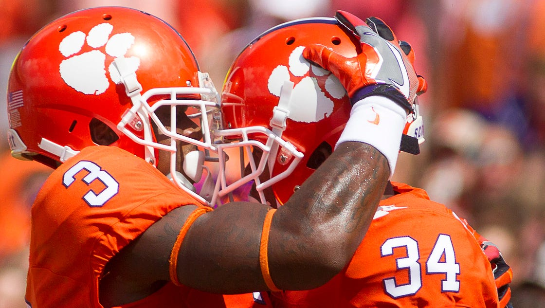 Clemson Scores 2 Tds In No Time Thanks To A Dumb Play