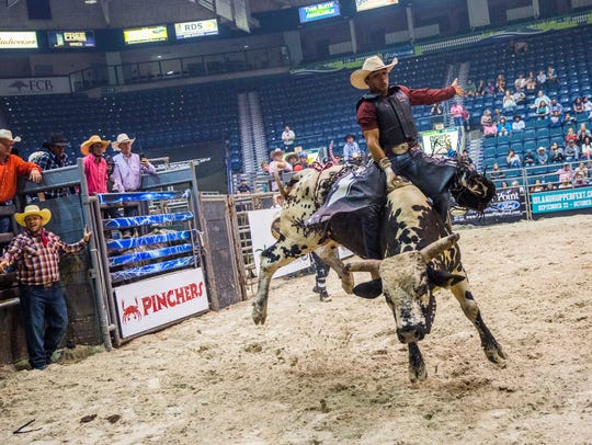 Anderson Alencar of Jacksonville competes in the Professional