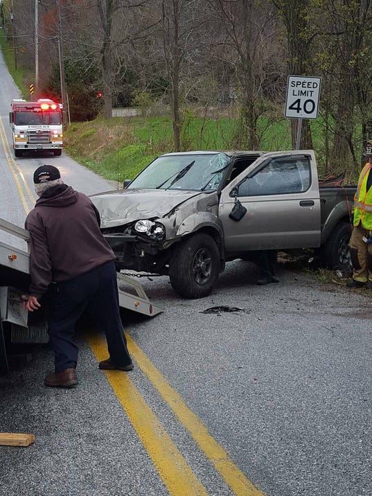 HES-submitted-041116-Oxford Township crash.jpg