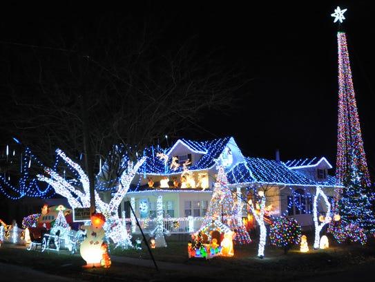 The Rinker's Christmas Light Extravaganza, 429 E. College St., Aurora; http://sgfnow.co/2hb2XyZ?