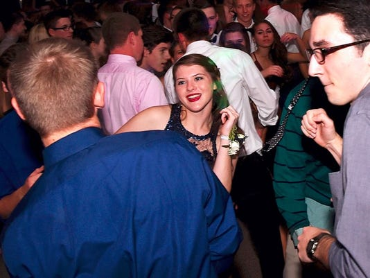 Students attend the Gettysburg Area High School homecoming.