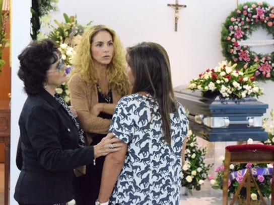 Doña Lucero León, madre de su Lucero, estuvo también