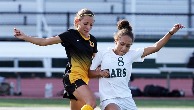 Piscataway takes on East Brunswick in a girls varsity soccer game at East Brunswick High School on Tuesday September 27, 2016