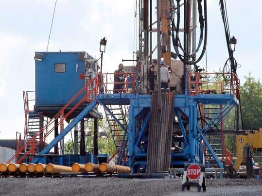 -Gas Drilling Public L_Drak.jpg_20131201.jpg