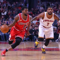 Reports indicate that the Pacers will sign free agent point guard Aaron Brooks.