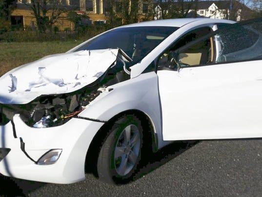 635836145151143829-Deer-crash-vehicle.jpg