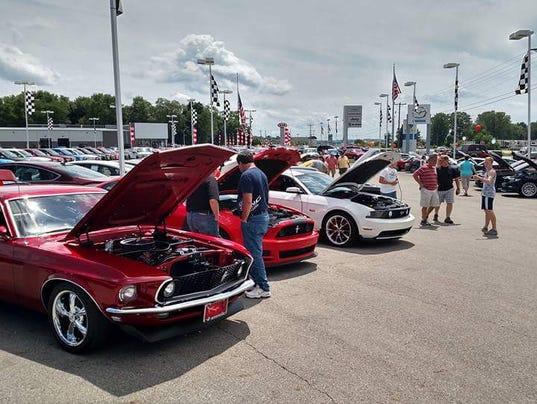 01 LAN Mustang Show 0713