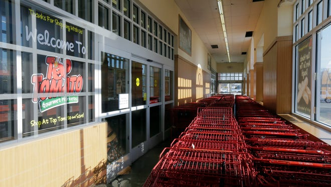 Top Tomato Super Store in Freehold Township closed without warning this month.