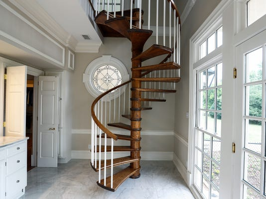 Hot Property - 9190 Winding Oak Way