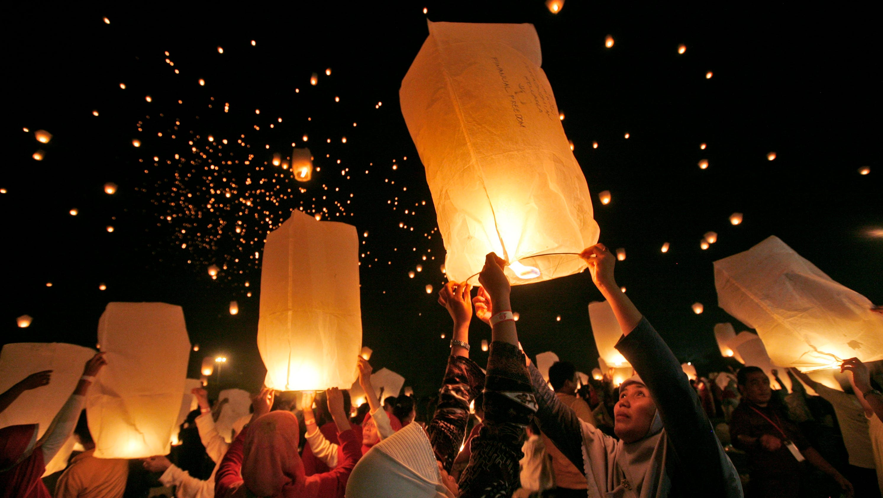 Fire Marshals Want To Ban Sky Lanterns