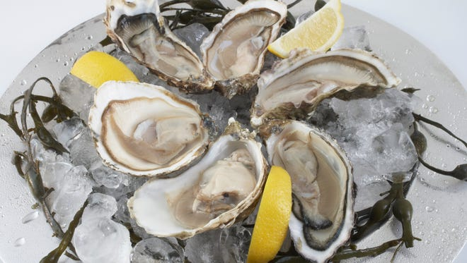 Raptor Ridge is teaming up with EAT: an Oyster Bar for an educational tasting to celebrate the release of its 2015 estate-grown Grüner Veltliner.