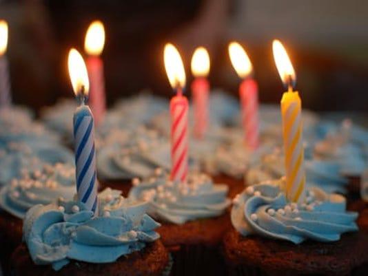 636177663824831334-Pexels-dot-com-birthday-cake-cake-birthday-cupcakes-40183.jpeg