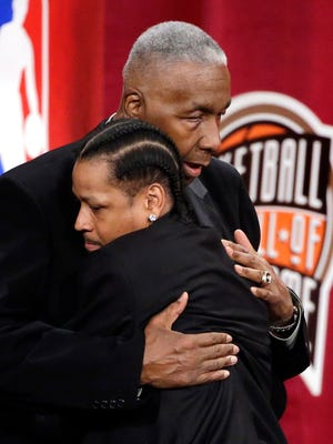 Allen Iverson got emotional thanking John Thompson during his Hall of Fame speech.