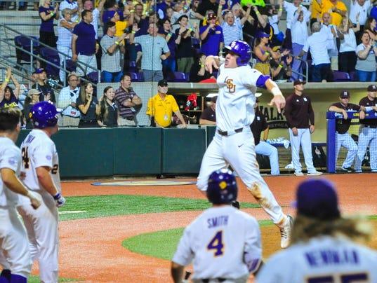 636327413672165373-LSU-Ms.State.baseball.saturday.06.10-5929.jpg