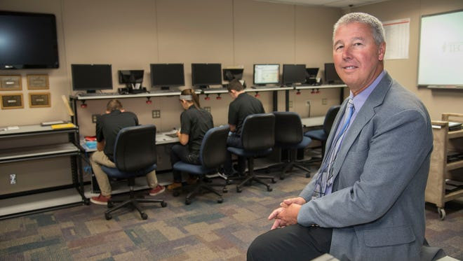 St. Clair County Community College named St. Clair County Regional Educational Service Agency superintendent Kevin Miller as alumnus of the year for 2017.