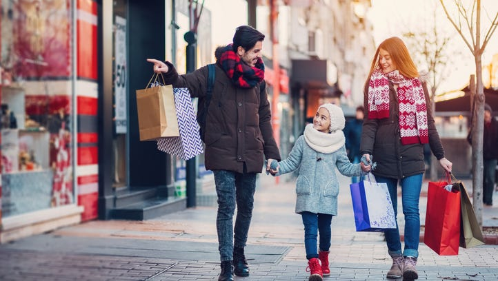 Returns, shopping and more: Here's when stores are open after Christmas