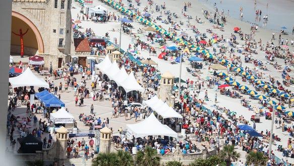 Florida Daytona festival20121013_wings_waves-3052