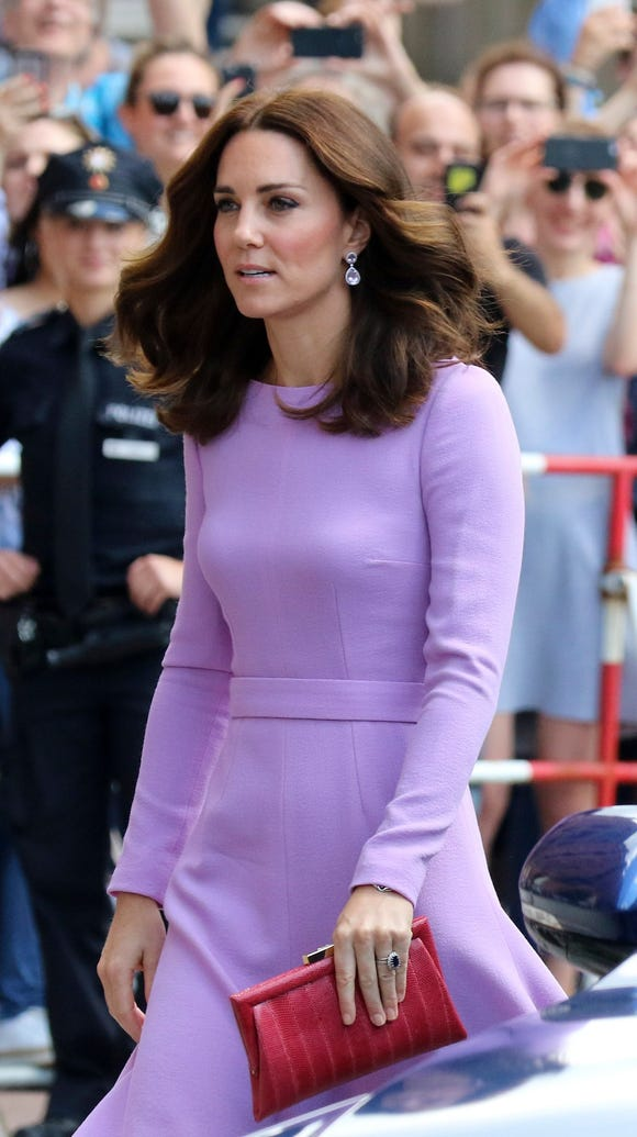 Duchess Kate dabbled in color blocking, pairing her