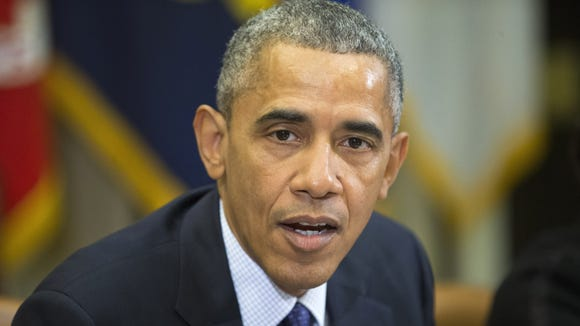 President Obama meets with members of his economic