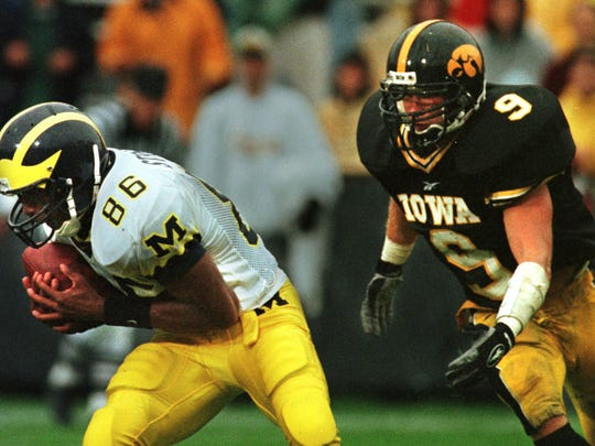 From 1998: Michigan's Tai Streets catches a touchdown
