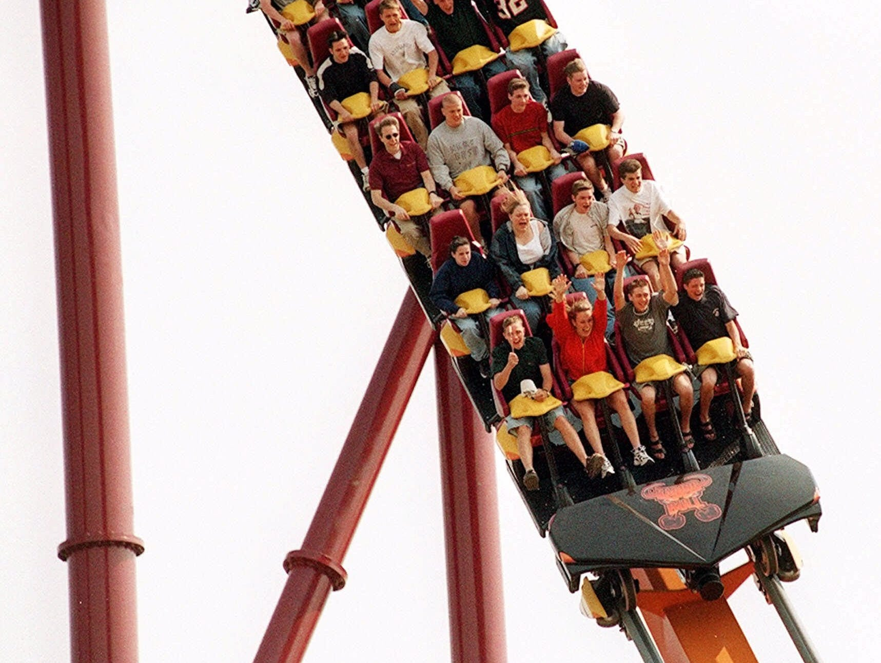 Get 40% off on tickets to Six Flags Great America.