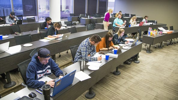 Students in a Criminal Practice and Writing II class