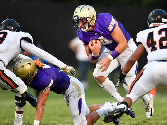 CPA's Kane Patterson (4) advances against Ensworth during the first half at Christ Presbyterian Academy in Nashville, Tenn., Friday, Aug. 24, 2018.