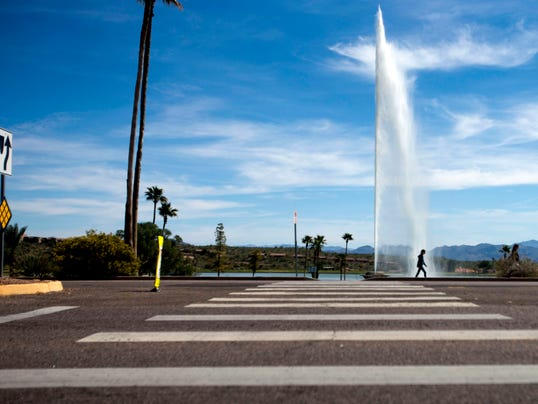 Saguaro Boulevard and Avenue of the Fountains