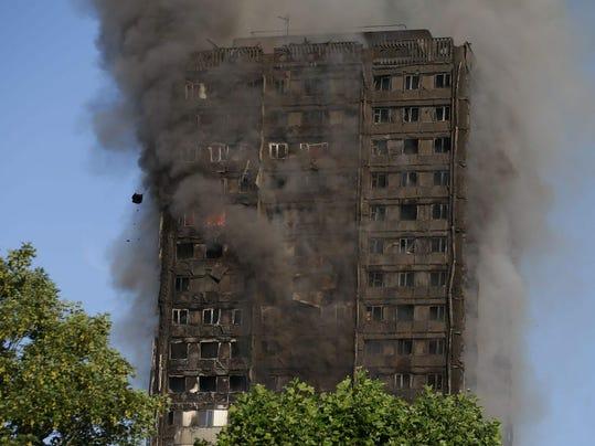 TOPSHOT-BRITAIN-INCIDENT-FIRE