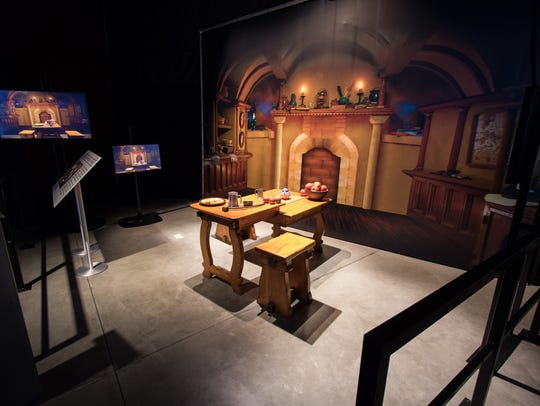 'The Lord of the Rings' forced perspective table, creating