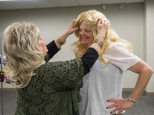 PLY transgender - adjusts wig