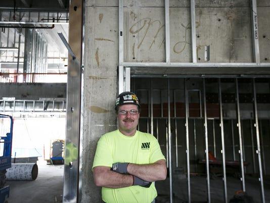 SAL-Constructionworker-fathersignature-MJS-001.JPG