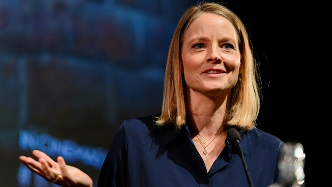 Jodie Foster is the latest actress to show her support for sexual harassment accusers.