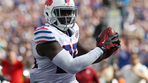 Former Bills safety Da'Norris Searcy has emerged as the likely candidate to replace Bernard Pollard.
