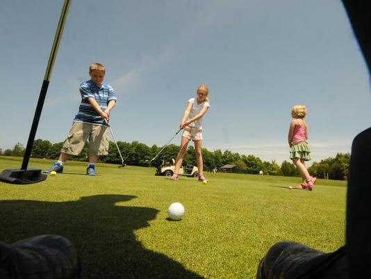 -DCA 0621 golf instruction 3.jpg_20140617.jpg