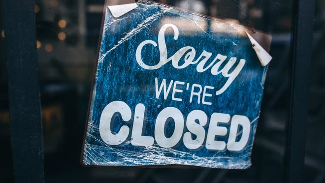 A year after the shutdown of Florida dining areas to prevent the spread of the coronavirus, we look back at 21 restaurants, bars and coffee shops that closed in Sarasota and Manatee counties.