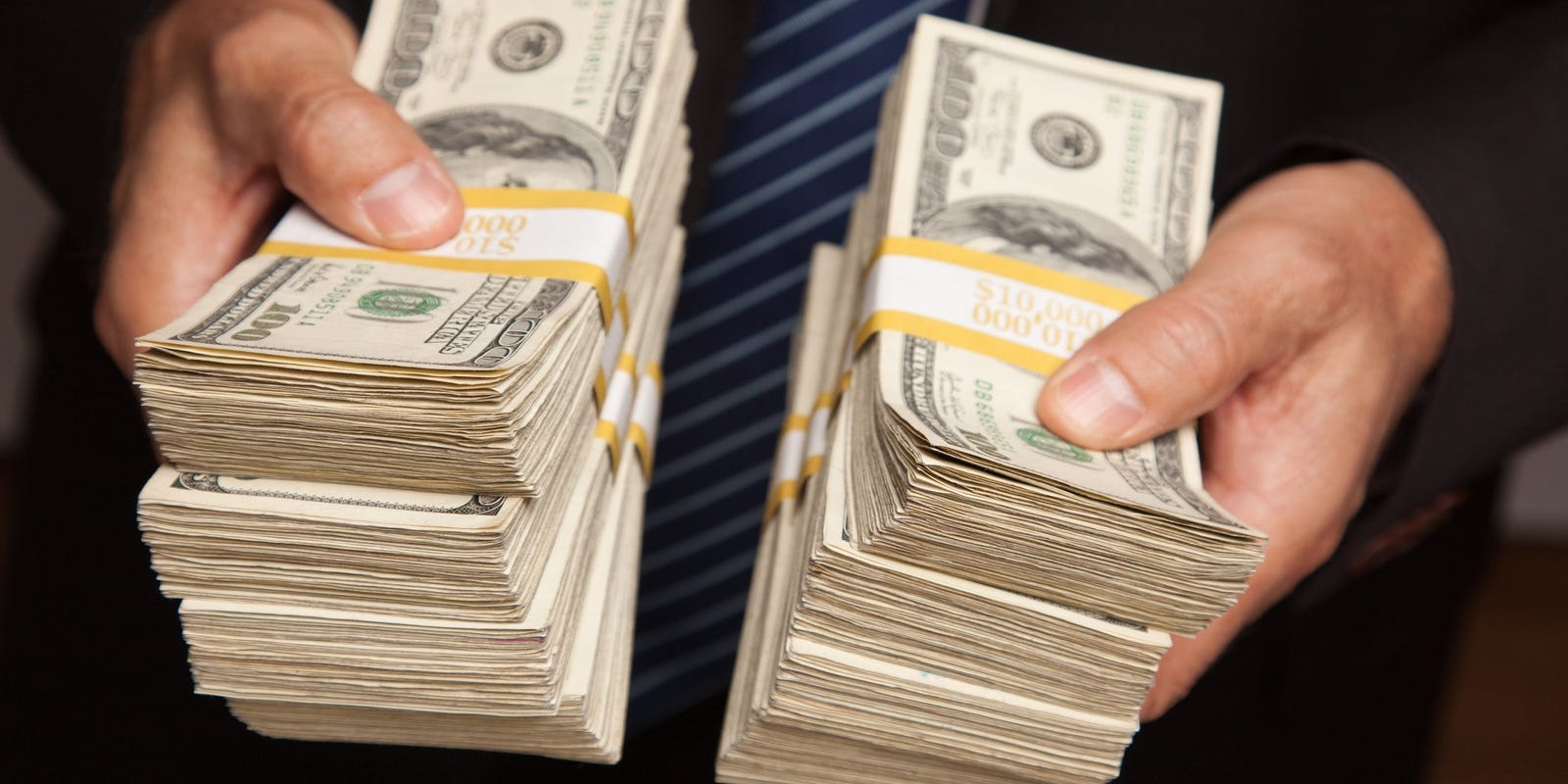 Is it a bribe? Ex-NJ assemblyman accused of taking bag of cash urges court to toss charge