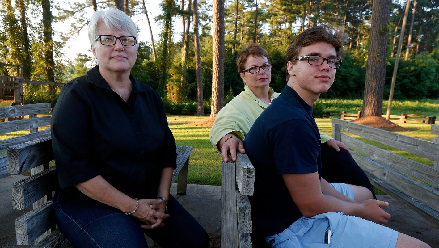 Same sex couples sue over mississippi adoption ban ccuart Image collections