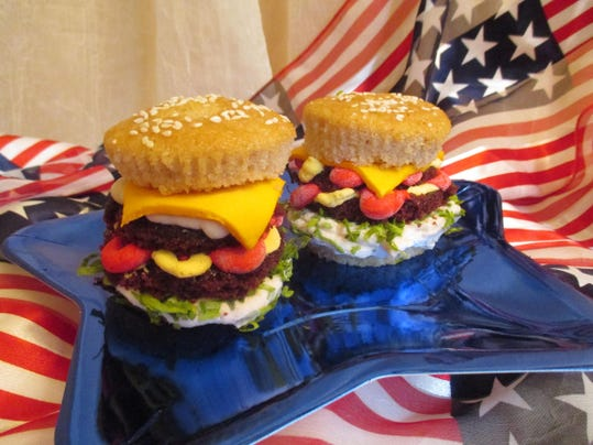 DOUBLE CHEESEBURGER 4TH OF JULY CUPCAKES