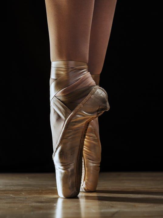 ballerina legs doing pointe