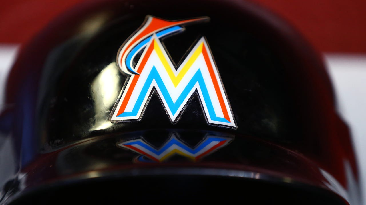 Derek Jeter and Jeb Bush are teaming up in an effort to purchase the Miami Marlins.