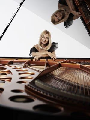 Pianist Valentina Lisitsa made her Cincinnati Symphony Orchestra debut