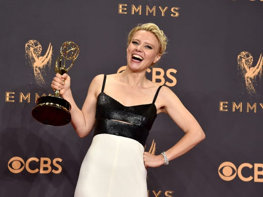 Kate McKinnon at the 2017 Emmys.