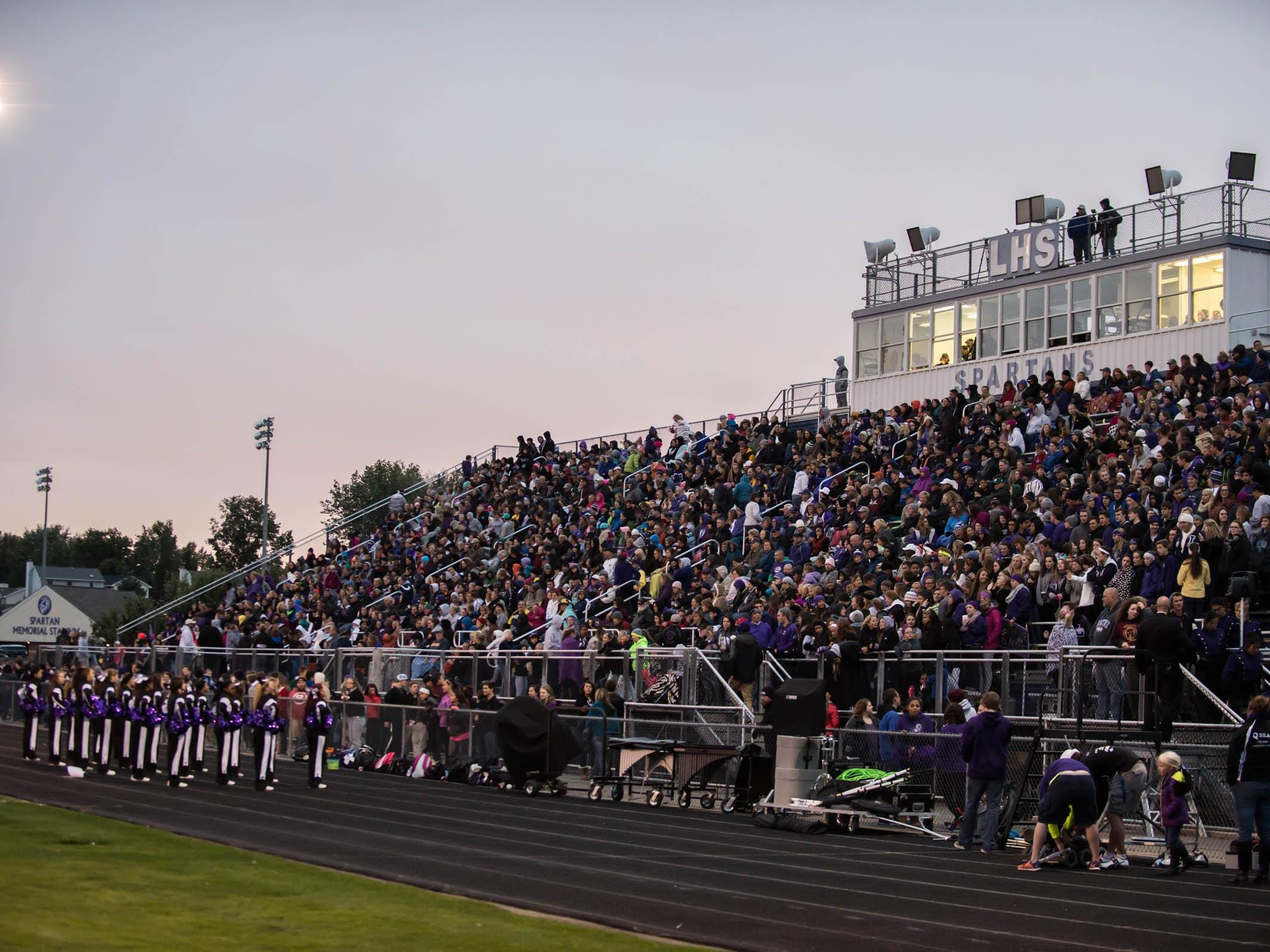 A full crowd at Lakeview's home comming game Friday evening.