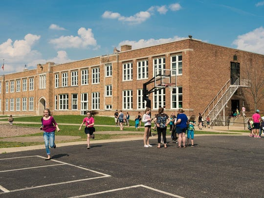 It's the end of the school day Friday for Prairieview Elementary School and kids are headed home. The 85-year-old school needs renovations including a new heating system; Lakeview Schools may seek voter approval of a bond issue for facility improvements next year.
